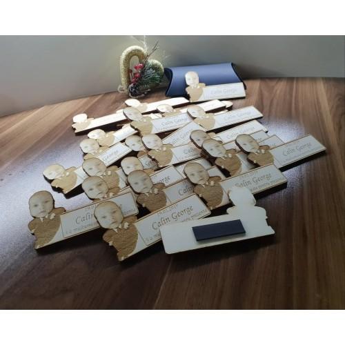 Set de 20 marturii din lemn cu magnet, personalizate